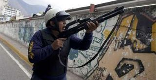 2010-01-28T225644Z_01_CAR14_RTRIDSP_0_VENEZUELA-PROTESTS