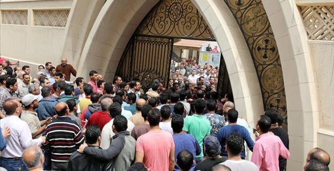 2017-04-09T114823Z_1_LYNXMPED380A1_RTROPTP_3_EGYPT-VIOLENCE-CHURCH